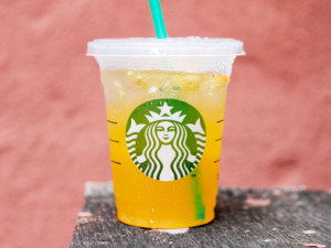 starbucks valencia refresher